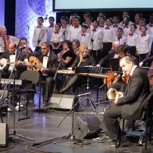 נגני התזמורת. מתוך המופע שירת דורות